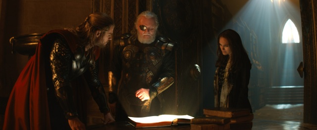 thor-2-the-dark-world-official-still-photo-odin-jane